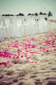 Alantis Resort Wedding in the Bahamas  love the pink flowers