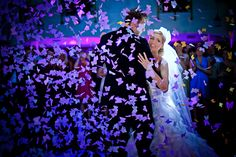 Collection 8 Fearless Awards are great wedding photos from the best wedding photographers in the world Plan My Wedding, Dream Wedding, Photography Awards, Wedding Photography, Wedding Couples, Wedding Photos, Best Wedding Photographers, First Dance, Big Day