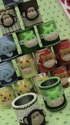 Idea for decorating art tins :-) Tin Can Crafts, Cute Crafts, Felt Crafts, Diy And Crafts, Crafts For Kids, Craft Projects, Projects To Try, Felt Patterns, Felt Diy
