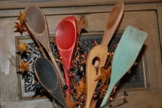 Dollar Store Spoons Turned Primitive Kitchen Decor | Eyeballs By Day, Crafts By Night