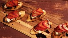 """Strawberry Mozzarella Crostini (The Chew's Italian Favorites) - Carla Hall, """"The Chew"""" on ABC. Recipes Appetizers And Snacks, Yummy Appetizers, Snack Recipes, Cooking Recipes, Desserts, Paninis, Tartufo Recipe, Create Tv Recipes, Easy Poached Eggs"""