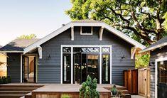 iron mountain house black trim - Google Search Craftsman Interior, Craftsman Style Homes, Modern Farmhouse Exterior, Farmhouse Style, Traditional Front Doors, Black Interior Doors, Black Exterior, Exterior Paint, House Windows