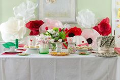 alice in wonderland tea sets for adults   The Alice In Wonderland party ideas and elements to look for from this ...