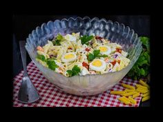 Salata SEDMO NEBO: Ovako je pravim već godinama – CreativaBox.com Pasta Salad, Cobb Salad, Torte Recepti, Serbian Recipes, Salty Foods, Sweet Recipes, Serving Bowls, Appetizers, Cooking Recipes