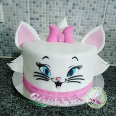 Kitten Cake, Kitten Party, Cat Party, Dog Cakes, Girl Cakes, Cat Birthday, Birthday Cake Girls, Aristocats Party, Bolo Halloween