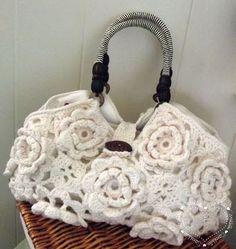 Crochet roses purse via Sarah Sweethearts