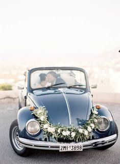 Getaway car, vintage car, wedding car | Photography: Jen Huang Photography