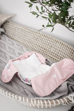 Discover how to use cloth nappies affordably for newborns with prefolds and muslins Modern Cloth Nappies, Cloth Diapers, Homemade Face Wash, Disposable Nappies, Newborn Needs, Multiplication For Kids, Small Baby, Sewing Basics, Tips