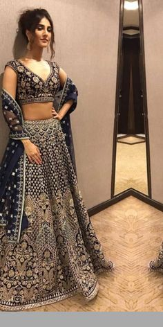 The latest collection of Lehenga choli designs online on happyshappy! Also available in simple, wedding, bridal, rajasthani styles images, find hairstyle on lehengas cholis ideas and save your favourite once. Indian Bridal Lehenga, Indian Bridal Outfits, Indian Fashion Dresses, Indian Designer Outfits, Pakistani Outfits, Indian Anarkali, Pakistani Lehenga, Sabyasachi, Costumes