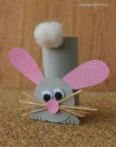 Kaninchen bastelte mit einer Toilettenpapierrolle und Karton. www.toutpetitri ...,  #bastelte #einer #kaninchen #karton #toilettenpapierrolle #toutpetitri