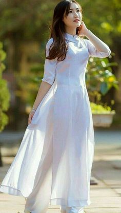Curvy Women Fashion, Womens Fashion, Cute Girl Photo, Ao Dai, Girl Photos, Cute Girls, Vietnam, Erotic, White Dress