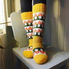 Ravelry: Kärpässienisukat pattern by Titta Järvensivu Knitting Socks, Knit Socks, Leg Warmers, Ravelry, Patterns, Leg Warmers Outfit, Block Prints, Pattern, Models
