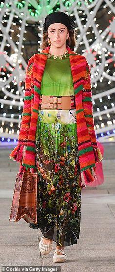 Dior's Italian creative chief Maria Grazia Chiuri said she had sought to showcase the craf... Cruise Collection, Catwalk, Cool Style, Dior, Style Fashion, Dior Couture