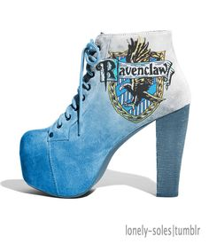 Ravenclaw Shoe is so cute! (I'm Ravenclaw by the way) :) <- I'n in Ravenclaw as well! Mode Harry Potter, Harry Potter Shoes, Estilo Harry Potter, Harry Potter Style, Harry Potter Outfits, High Heel Boots, Heeled Boots, Shoe Boots, High Heels
