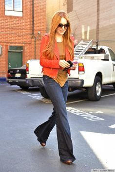 Lindsay Lohan Red Hair Pictures on We Heart It Lindsay Lohan, Red Hair Pictures, Mother Denim, White Blonde, Redheads, Bell Bottom Jeans, Casual, What To Wear, Celebrity Style