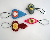 Christmas felt decorations - Retro holiday ornaments in pink, grey, burgundy, blue - Set of four 4