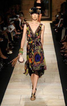 Diane von Furstenberg: primavara-vara 2010 Diane Von Furstenberg, Wrap Dress, Pattern, Dresses, Fashion, Vestidos, Moda, Fashion Styles, Patterns