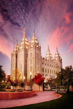I love the salt lake temple I mean who doesn't ?