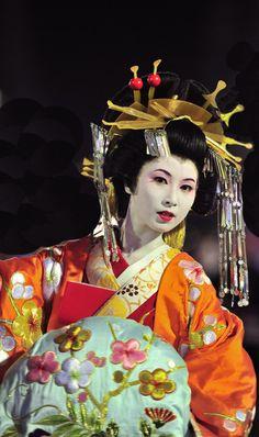 "thekimonogallery: "" Participant in Oiran parade. Japan. Photography by kikorin kitanohotaruya on Flickr """