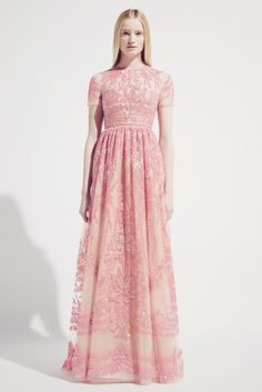 How cute is this dress? Long. Flowing. And a touch of pink / {fashion inspiration | runway : valentino resort 2014}