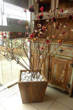 Árvore francesa com flores falsas