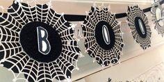 jpp - Boo Banner / Halloween Girlande / Wimpelkette / Homedeko / Stampin' Up! Berlin / Zierdeckchen Spinnennetz / Spider Web Doilies / Layered Letters Alphabet / Zwischen den Zweigen / Among the branches / Framelits Blütenrahmen  www.janinaspaperpotpourri.de