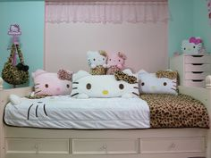 hello kitty bed set | Hello Kitty Bed Set with a Growl | Flickr - Photo Sharing!