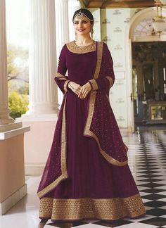 Bollywood diva prachi desai wine partywear anarkali suit online which is crafted from georgette fabric with exclusive embroidery and stone work. This stunning designer anarkali suit comes with santoon bottom, santoon inner and chiffon dupatta. Indian Gowns, Pakistani Dresses, Indian Outfits, Bollywood Dress, Bollywood Party, Indian Bollywood, Costumes Anarkali, Anarkali Dress, Lehenga Choli