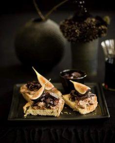 D E L I C I O S O Fig Bruschetta - http://www.sweetpaulmag.com/food/fig-bruschetta #sweetpaul