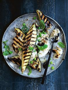 grilled eggplant with haloumi and smoky baba ghanoush ♡ INGREDIENTS 3 small eggplants (aubergines), quartered lengthways haloumi, sliced 2 tablespoons extra virgin olive oil 6 sprigs lemon thyme sea s. Vegan Vegetarian, Vegetarian Recipes, Healthy Recipes, Grilled Recipes, Dinner Party Menu, Grilled Eggplant, Side Dish Recipes, Side Dishes, Essen