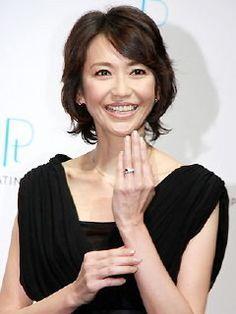 Japanese Beauty, Beauty Hacks, Short Hair Styles, Hair Makeup, Hair Cuts, Hair Beauty, Hair Accessories, Make Up, Hairstyle