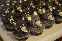 Wolf pupcakes