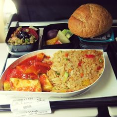 The food on the plane was not that bad and even vegan. Mixed veggies in tomato sauce and rice, green lentil salad and fruits #vegan #travel #plane #flight #vegantravel #traveling #veganfood #veganfoodshare #veganism #vegangirl #whatveganseat #byebye #istanbul #turkishairlines #veggies #rice #tomatosauce #lentilsalad #fruits