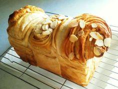 自家製キャラメルシートで✾折り込み食パン by ぢんぴよ [クックパッド] 簡単おいしいみんなのレシピが226万品