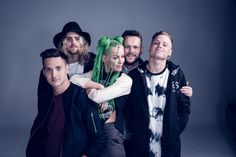 Tonight Alive Tonight Alive's new album Limitless really does live up to its name. I'm a massive Tonight Alive fan, I have all. Lonely Girl, Tonight Alive, Warped Tour, Pop Punk, Music Bands, Funny Cute, Cool Bands, The Dreamers, Hd Wallpaper