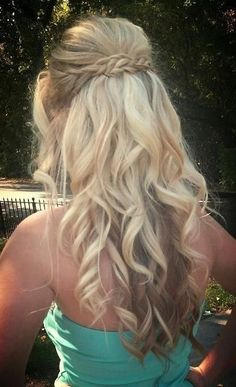 #hair #hairstyle #hairstyles Are you not in love with this hairstyle? Yessss would you like to visit my site then? #haircolour #haircolor #hairdye #hairdo #haircut #braid #straighthair #longhair #style #straight #curly #blonde #hairideas #braidideas #perfectcurls #hairfashion #coolhair coiffures de bal de tresse pour cheveux longs 2016