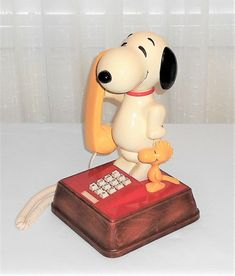 Vintage Western Electric 1976 Snoopy & Woodstock Telephone Touch Tone Works #WesternElectricAmericanTelecommunications Mickey Mouse Phone, Tone Words, Snoopy And Woodstock, Trading Company, Sports Equipment, Telephone, Landline Phone, My Ebay, Westerns