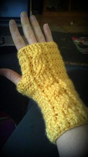 Corded Fingerless Gloves love the cable look, free pattern from Crochet a Flower