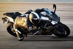 Yamaha R1-M 2015