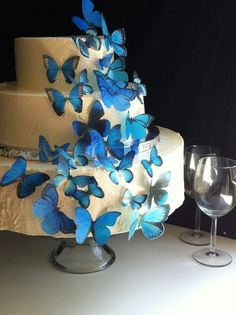The Original EDIBLE BUTTERFLIES - Assorted Blue set of 30 - Cake & Cupcake toppers - Food Accessories