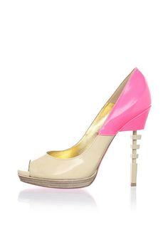 I can't tell you how badly I want these. This website is my new obsession. www.MYHABIT.com
