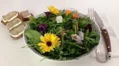 Wildkräutersalat mit Himbeerdressing - Powered by @ultimaterecipe