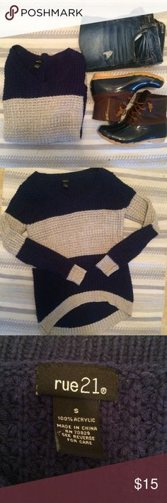 Colorblock Chunky Knit Sweater Cute Navy and gray chunky oversized high low sweater! Size S from Rue 21 it's perfect to pair with leggings and boots! In excellent condition and only worn a few times Rue 21 Sweaters Crew & Scoop Necks