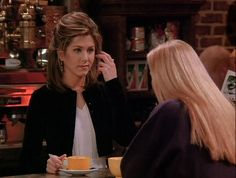 """Here Are All 90 Outfits Rachel Green Wore On The First Season Of """"Friends"""" Rachel Green Outfits, Rachel Green Hair, Rachel Green Style, Rachel Green Friends, American Apparel Ad, Cher Clueless, Ladies Who Lunch, Friends Tv Show, Friends Series"""