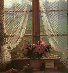More than 25 ideas for the treatment of windows and curtain designs.