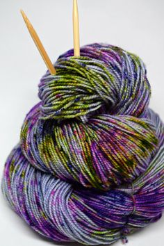 Colorway: Spring Pop!  Hand Dyed by Jennifer  80% Superwash Merino Wool / 20% Nylon 400 yards / 100 grams Fingering Weight 7-8 sts / inch on