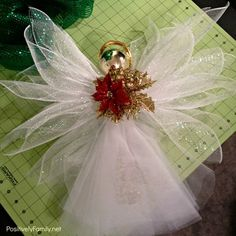 Christmas Crafts The right way to make a Deco Mesh Angel Christmas Tree Topper with this tutorial at Diy Christmas Angel Tree Topper, Diy Tree Topper, Christmas Angels, Christmas Wreaths, Christmas Decorations, Christmas Christmas, Birthday Decorations, Angel Crafts, Christmas Projects