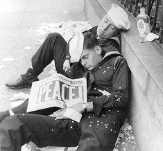 world war i history magazine World History, World War Ii, History Online, Art History, Foto Picture, History Magazine, Interesting History, Gay Couple, Second World