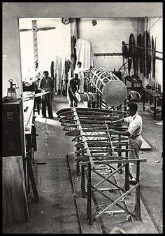 Oficina de planadores do IPT, no bairro do Bom Retiro em São Paulo, anos 40