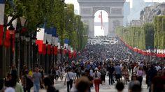 Campos Elíseos de París cerrados al tráfico por contaminación